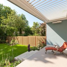 Inspiratie Projecten   Livium Minimal Decor, Beach House, Minimalism, Backyard, Outdoor Structures, Outdoor Decor, Building Ideas, Villas, Apartments