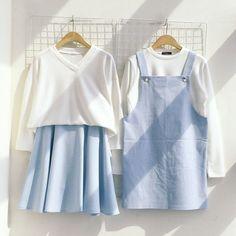 จับคู่ชุดเอี๊ยมกระโปรง สีขาวและฟ้าพาสเทล
