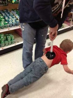 20 funny photo's that will make you laugh and shows you just how awesome and bad dads or at parenting - funny dad jokes, humor, lol, memes Only At Walmart, People Of Walmart, Walmart Funny, Stupid People, Funny Kids, The Funny, Funny Jokes, Hilarious, Left Alone