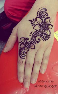 Henna Tattoo Designs Simple, Mehndi Designs Book, Mehndi Designs For Beginners, Mehndi Designs For Fingers, Beautiful Henna Designs, Simple Arabic Mehndi Designs, Henna Tattoo Hand, Henna Art, Hand Tattoos