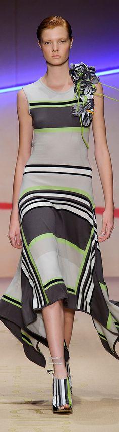 Farb-und Stilberatung mit www.farben-reich.com - Laura Biagiotti Spring Summer 2015 Ready-To-Wear collection