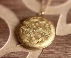 Round Locket Necklace, Locket Pendant, Gold Locket Necklace, Vintage Brass Locket, Big Circle Locket on Etsy, $17.90