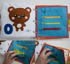 Zippers w colored pockets (Spanish) Baby Quiet Book, Felt Quiet Books, Infant Activities, Preschool Activities, Projects For Kids, Crafts For Kids, Sensory Book, Activity Mat, Sick Kids