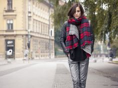 Red scarf by magnifiqueblog | STYLIGHT