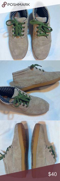 TOMS  Mens TOMS Mens Size M9 / Excellent and Comfortable Shoes. Toms Shoes