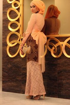 A+L+A+Z+T+H+A+Jr:+Shella+in+A+Javanese+Batik+Dress