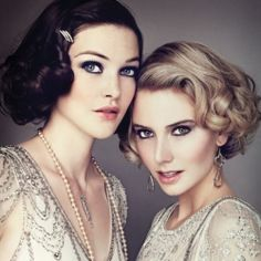Wedding day beauty looks inspired by Daisy Buchanan's iconic 1920's style. Photo by Carlyle Routh.