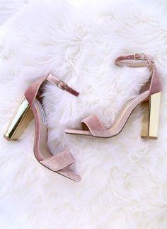 P I N T E R E S T ;⠀ ⠀ ⠀ ♡ @reevatman ♡ ⠀⠀⠀⠀⠀⠀⠀⠀⠀⠀⠀⠀⠀⠀⠀⠀⠀⠀⠀Shoes + Strappy + Sandals + Heels + sneakers + kicks heels