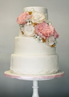 """Simple, easy to navigate, great cake design website. love this cake photo """"Vintage Cluster of Sugar Flowers"""". nice to see a talented web designer keeping it simple and unique! Pretty Cakes, Beautiful Cakes, Amazing Cakes, Fondant Cakes, Cupcake Cakes, Cake Gallery, Wedding Cake Inspiration, Sugar Flowers, Love Cake"""