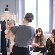 Another pic from the Swedish press launch presenting Emma Elwin x Boob for the first time this Friday at Boob HQ in Stockholm. ⠀ ⠀ #emmaelwinxboob #boobdesign #sustainablefashion #bumpfashion #momstyle #swedishdesign #nursingwear