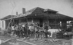 Joel Priest graciously submitted this nifty circa 1912 photo of a work crew building a house in Dallas.