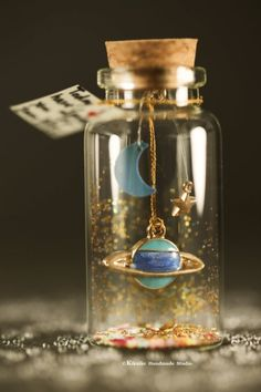 I love you to the moon & backTiny message in a bottleMiniaturesPersonalised GiftlovecardValentine CardGift for her/himGirlfriend gift Glass Bottle Crafts, Mini Glass Bottles, Bottle Charms, Bottle Necklace, Bottle Jewelry, Bottle Art, Bottles And Jars, Water Bottle, Jar Crafts