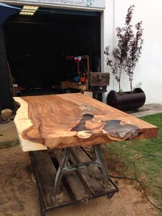 Live edge suar wood acaxia wood table natural slab that bery nice and beautiful