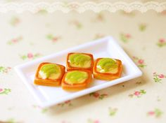 Miniature Food - Dollhouse Miniature Kiwi Slice Danish