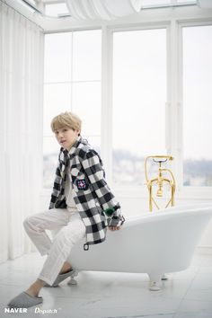 Suga Yoongi Minyoongi Agust D Bts Namjoon, Min Yoongi Bts, Min Suga, Seokjin, Hoseok, Bts Taehyung, Daegu, Billboard Music Awards, Bts Bangtan Boy