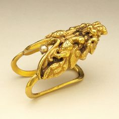 Toe Ring India, Tamil Nadu, early 19th century Jewelry and Adornments; rings Gold with pendant pearl
