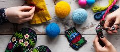 Karin Holmberg Caitlin Moran, Swedish Language, Swedish Embroidery, Textiles, Fiber Art, Needlework, Crochet Earrings, Workout Ideas, Wool