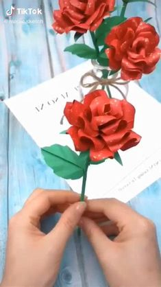 Cool Paper Crafts, Paper Flowers Craft, Paper Crafts Origami, Paper Roses, Flower Crafts, Diy Flowers, Diy Paper, Flower Paper, Handmade Flowers
