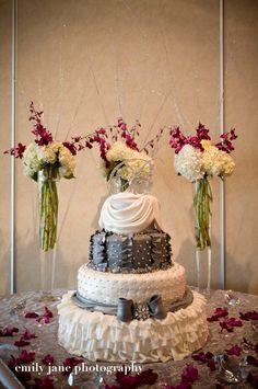 http://cakeguru.com/wp-content/uploads/2011/07/wedding-silver-and-white-ruffles-Oshkosh-WI.jpg