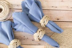 Love these DIY nautical rope napkin rings. A simple craft idea for a gorgeous coastal wedding or nautical themed tablescape. Love these DIY nautical rope napkin rings. A simple craft idea for a gorgeous coastal wedding or nautical themed tablescape. Monkey Fist Knot, Wood Napkin Holder, Rope Crafts, Diy Crafts, Glam Style, Napkin Folding, Diy Rings, Diy Centerpieces, Maker