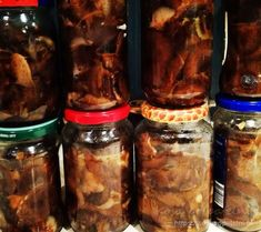 Opieńki w oleju Sausage, Beef, Ethnic Recipes, Food, Kitchen, Meat, Cooking, Sausages, Essen