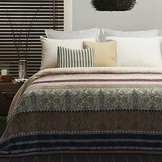 Modern Design Stripe Pattern Coral Fleece Blanket – USD $ 29.99