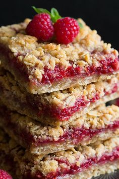 Raspberry Crumb Bars~ pretty!