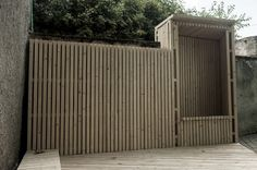 Verticle 2x4 flat face fence