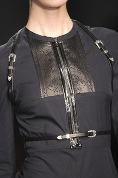 Buckle and zipper