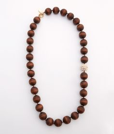 Shop Chunky Wooden Bead Necklace at vineyard vines