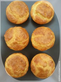 Koolhydraatarme geitenkaas muffins met oregano. Heerlijk zacht van smaak. Low Carb Recipes, Baking Recipes, Real Food Recipes, Lowest Carb Bread Recipe, Low Carb Bread, I Love Food, Good Food, Yummy Food, Alice Delice