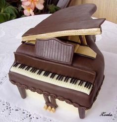 Chocolate Piano Cake