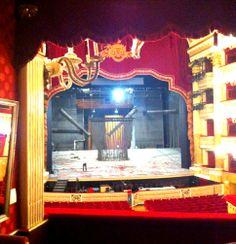 Anteprima dal #palcoscenico: i tecnici del #SanCarlo lavorano alle scene di #BenitoLeonori per la prima del 5 #dicembre.   #UnOperaSpettacolare | teatrosancarlo.it | #ilPalcoscenicodelMondo