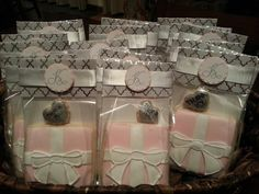 cute packaging for cookies! pink gift boxes with bow