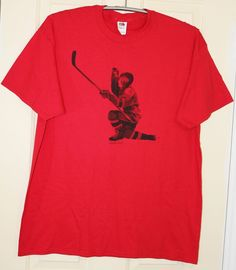 Fruit Of The Loom Mens Tee T Shirt Hockey Player Red Graphic Budweiser Size XL…