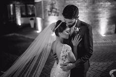 TIARA PORTA COQUE PONTOS DE LUZES SEQUÊNCIAIS 97194831877  mais uma bela noiva nos inspirando com sua beleza e tiar planeta das noivas #tiaraportacoque #tiaradestrass #tiaraparanoiva #acessoriodenoiva #acessório perfeito  #casando2017 #noiva2018