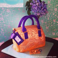 Mario hernandez purse cake Mario Hernandez, Purse Cakes, Purses And Handbags, Lady, Boots, Clothes, Ideas, Fashion, Zapatos