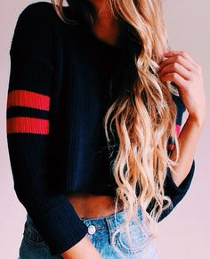 Gorgeous long hair! Mine needs to get longer :)
