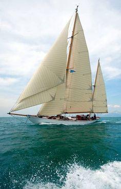 'Eilean', a 75-year-old restored Bermuda ketch