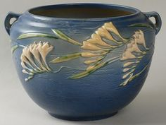 Roseville Pottery Freesia Jardiniere click the image or link for more info. Weller Pottery, Rookwood Pottery, Antique Pottery, Roseville Pottery, Mccoy Pottery, Pottery Vase, Ceramic Pottery, Ceramic Art, Hull Pottery