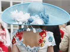 A baby blue hat (Royal Ascot) English Horse Racing, Royal Ascot Hats, Race Day, Kentucky Derby, Baby Blue, The Incredibles, Pretty, Fashion, Moda