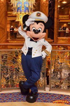 DCL ディズニー・ドリーム号 アトリウム グリーティング ミッキーマウス
