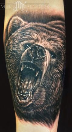 What does bear tattoo mean? We have bear tattoo ideas, designs, symbolism and we explain the meaning behind the tattoo. Head Tattoos, Body Art Tattoos, Sleeve Tattoos, Cool Tattoos, Amazing Tattoos, Grizzly Bear Tattoos, Grizzly Bears, Bear Tattoo Meaning, Bear Face