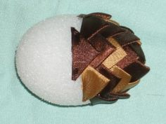 Tutorial: Ribbon Pine cone Ornament