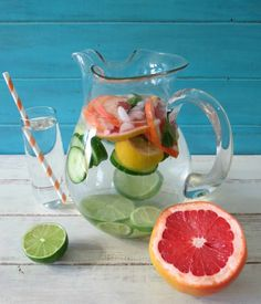 Grapefruits Cucumber Lemon and Mint-Detox-Water. Detox water recipe for clear sk. Grapefruits Cucumber Lemon and Mint-Detox-Water. Detox water recipe for clear skin and weight loss. Detox water for weight loss. Mint Detox Water, Cucumber Detox Water, Detox Drinks, Healthy Drinks, Eat Healthy, Healthy Recipes, Do It Yourself Food, Fruit Water, Fresh Fruit