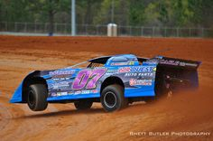 this is dirt track racing its what my family does