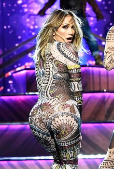 Jennifer-Lopez-2015.jpg 2.026×3.000 Pixel