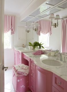 Pink & White Girls Bathroom (love the window treatment design) Pink Room, House, Interior, Pink Houses, Little Girl Bathrooms, Shabby Chic Bathroom, Pink Bathroom, Girls Bathroom, Home Decor