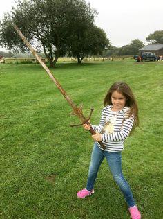 Matilda Jones, from Norton, Doncaster, shows off a mighty sword that she found at the bottom of a lake where King Arthur's said to have returned his Excalibur. King Arthur Excalibur, Funny Photoshop Pictures, Strange Events, Viking Sword, Kids Photography Boys, Kool Kids, Cool Poses, Young At Heart, Light Of Life