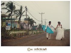 boda en la playa tabla surf beach wedding marriage surfboard married fotografía original photographie novia bride mar sea miraquechulo